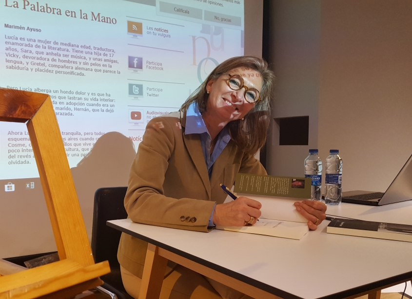 Marimén Ayuso presenta 'La Palabra en la Mano' al Cerecusor